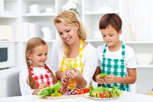 bigstock-Salad-time-with-the-kids-in-th-44263714